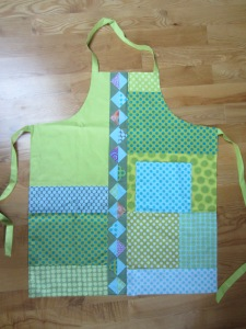 Dot to Dot Spring Apron007 (2)