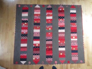 Dot to Dot Quilt in Red
